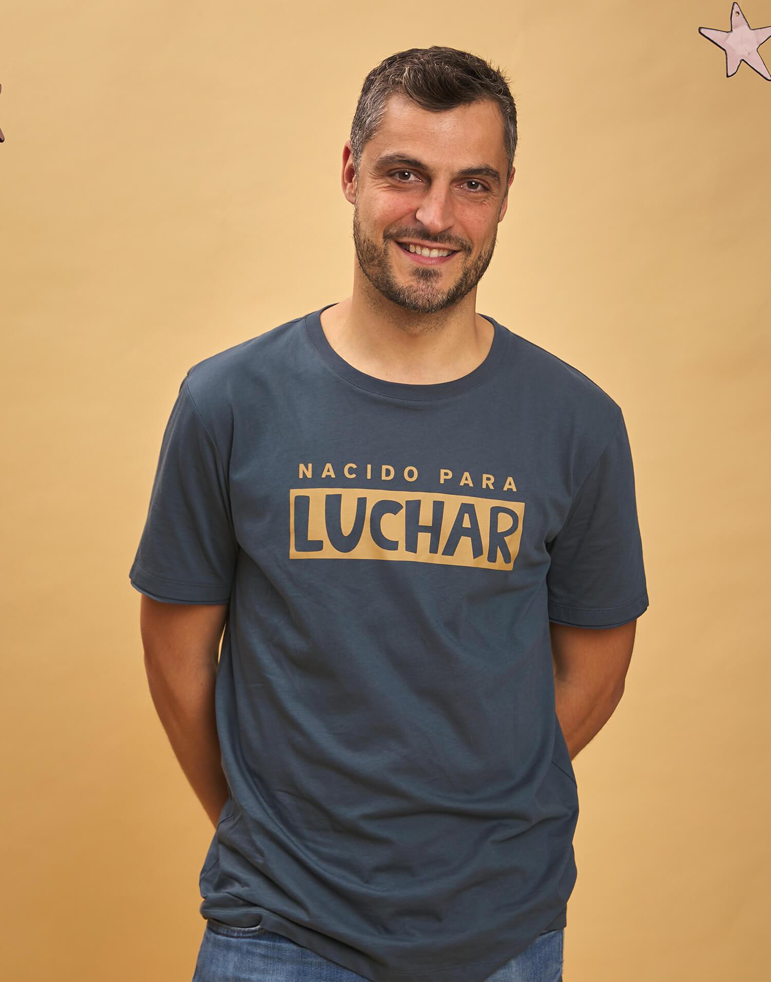 Camiseta de hombre 'Nacido para luchar'