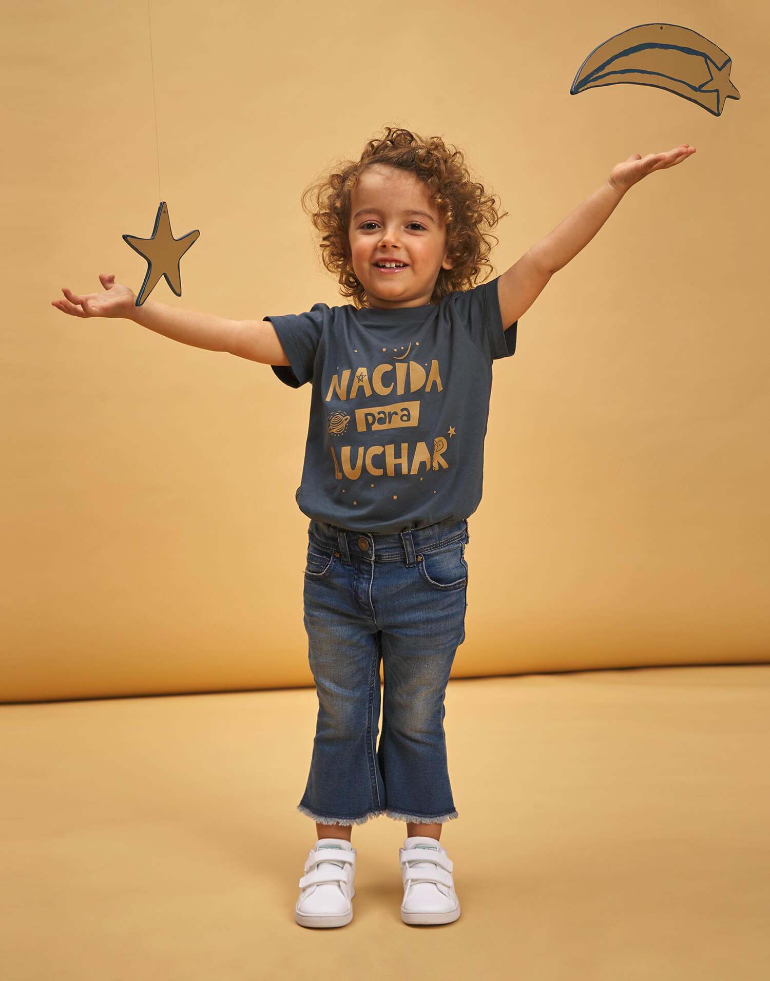 Camiseta de niña 'Nacida para luchar'