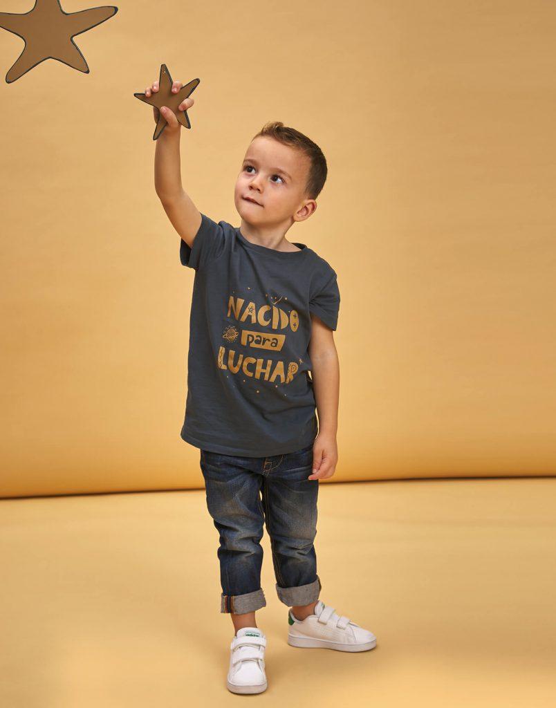 Camiseta de buenhijo 'Nacido para luchar'Camiseta de buenhijo 'Nacido para luchar'