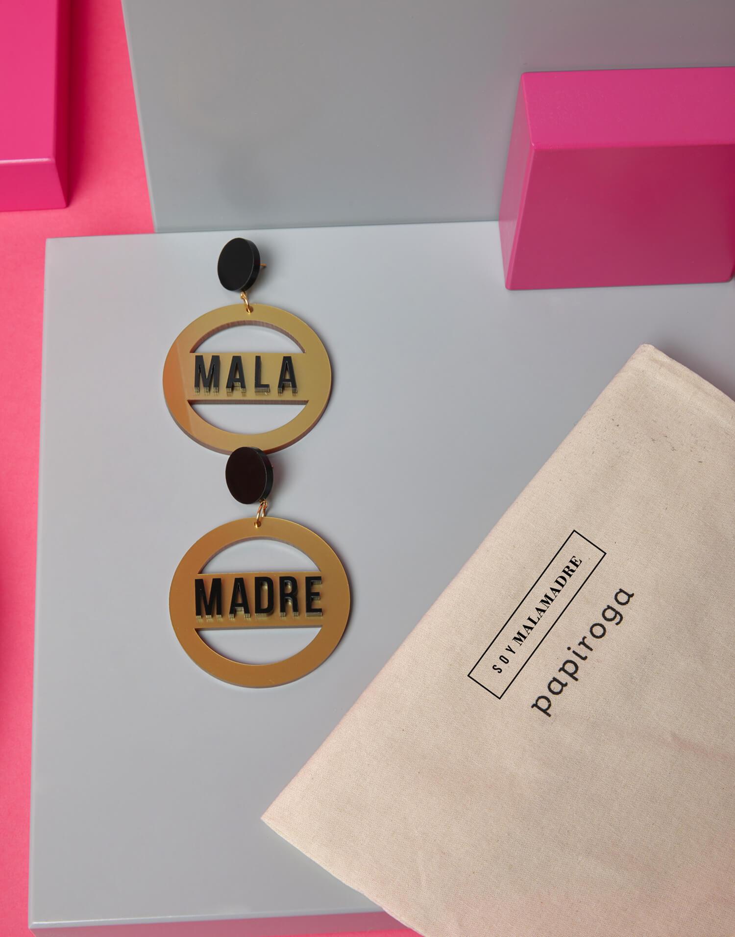 Pendientes redondos dorados 'Soy Malamadre'