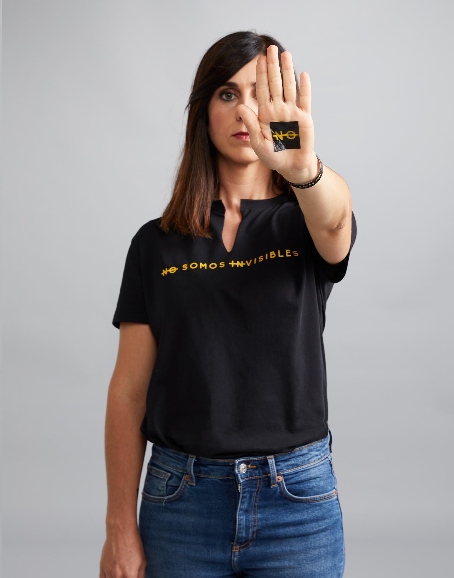 Camiseta negra 'No somos invisibles'