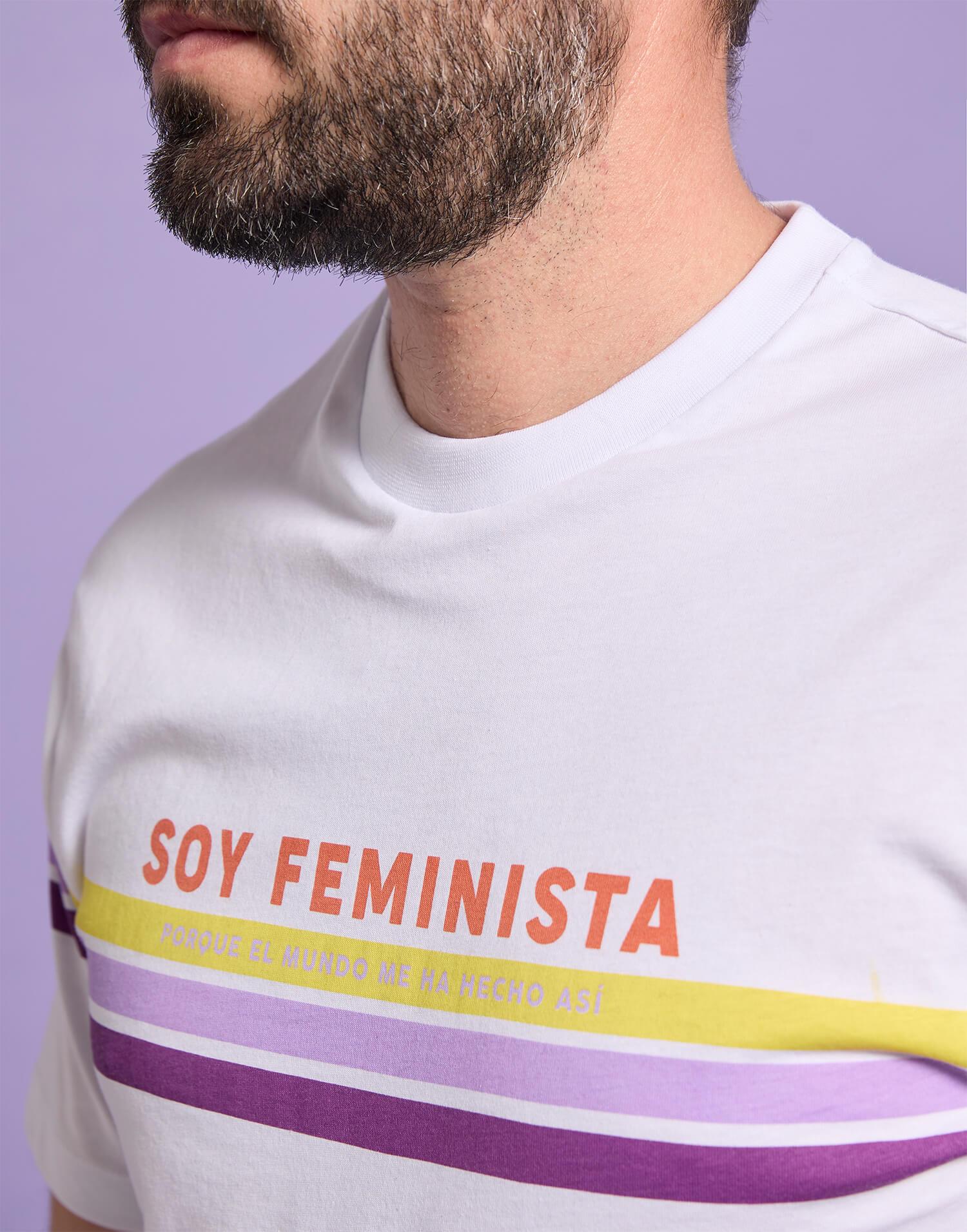 Camiseta hombre'Soy feminista porque el mundo me hizo así'