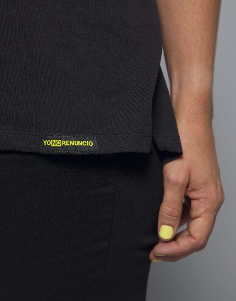 Camiseta negra Malamadre 'Yo No Renuncio'