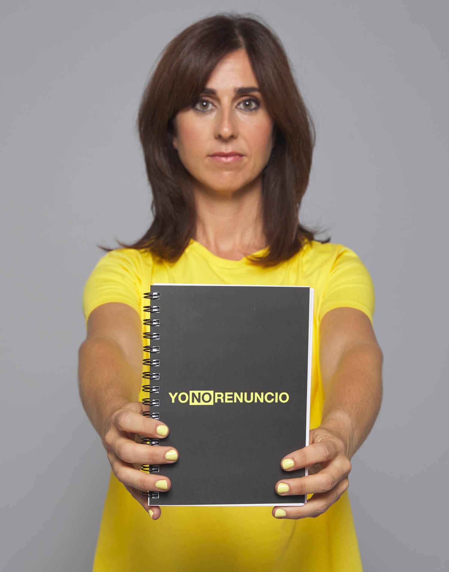 Cuaderno negro Yo No Renuncio