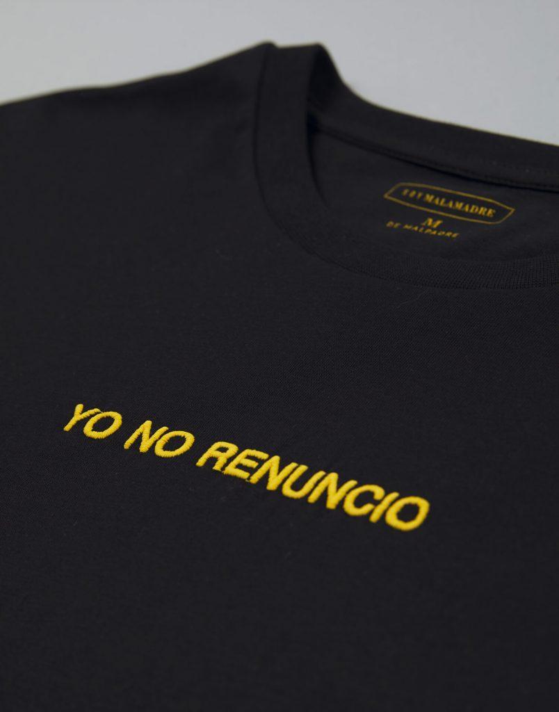 Camiseta negra hombre Yo No Renuncio